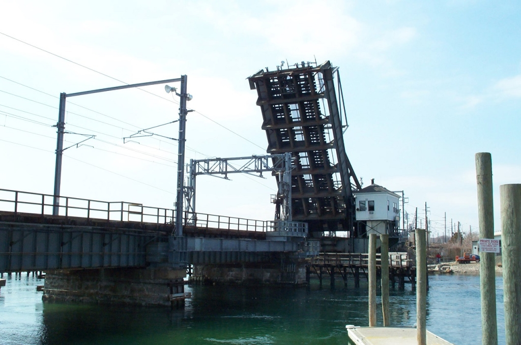 niantic-draw-bridge-banner